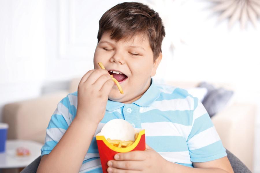 причиной детского ожирения